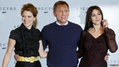James+Bond+Spectre+Daniel+Craig+Monica+Bellucci+Lea+Seydoux+MovieSpoon